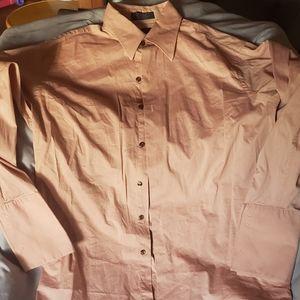 Menz log sleeve collar shirt.